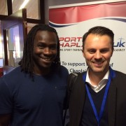 mit Linvoy Primus, Ex-Profi FC Portsmouth