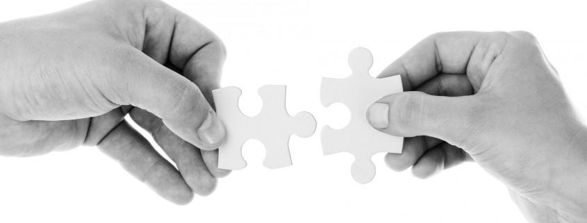 Puzzle-Bild Konkurrenten zu Verbündeten machen